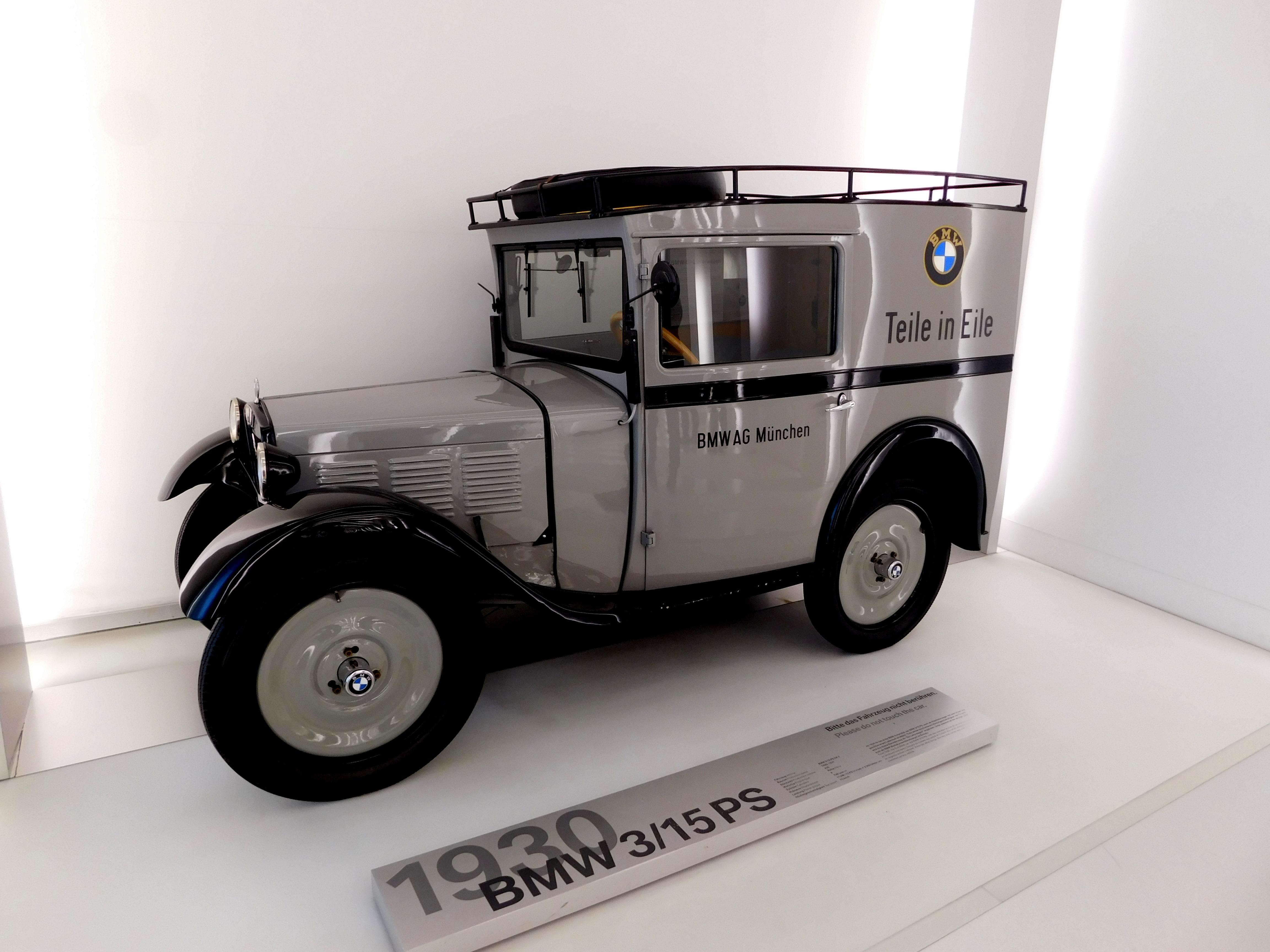 BMW MUSEUM IULIA IONESCU